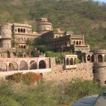 01_Neemrana Fort Palace