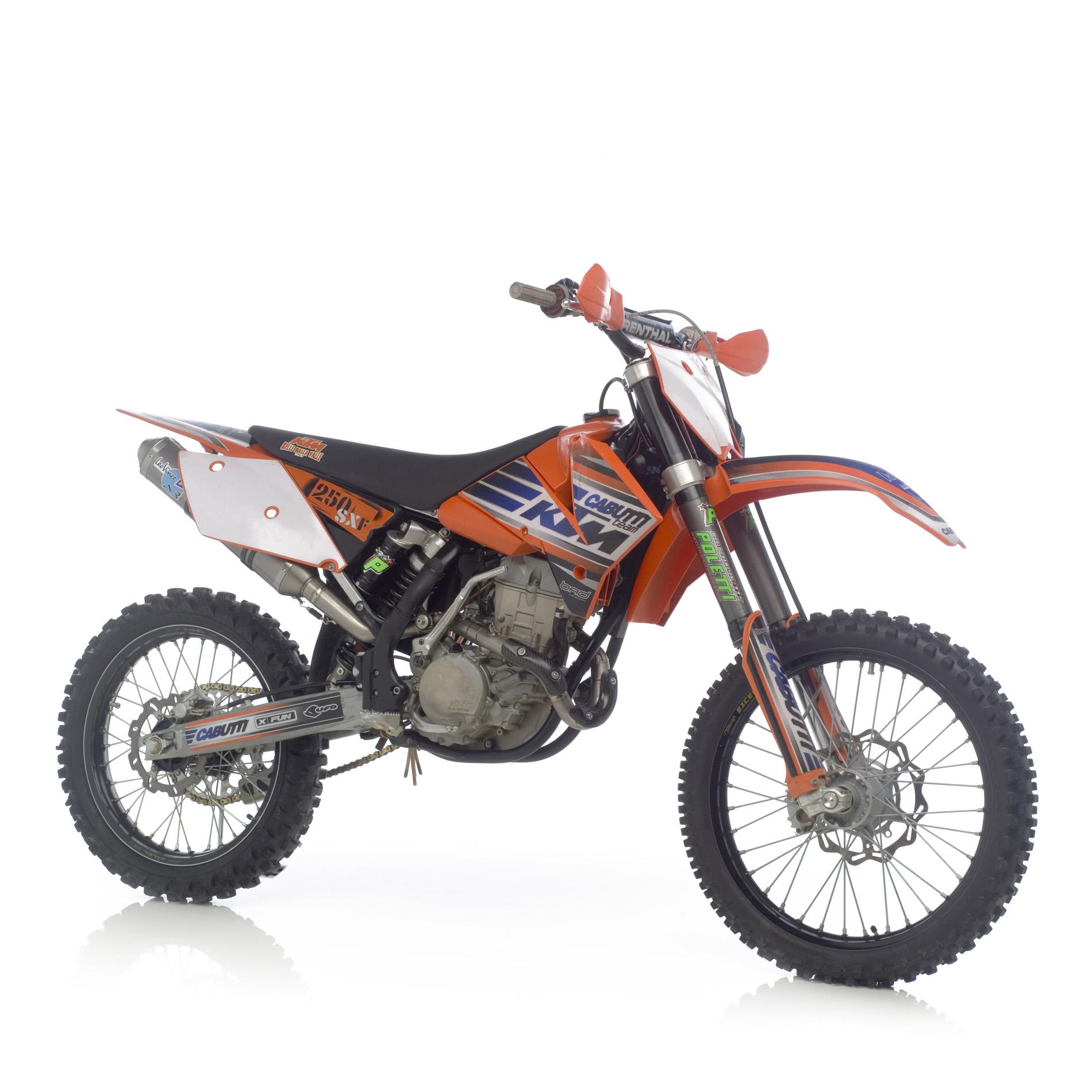Echappement moto cross ktm 250 sx 06 leovince 2 s papel - Image de moto cross ktm ...