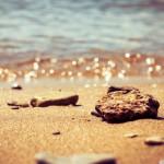 papel-de-parede-pedras-na-praia